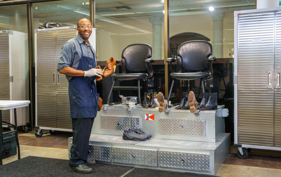service salon treatment or shoe shine at one of the following!