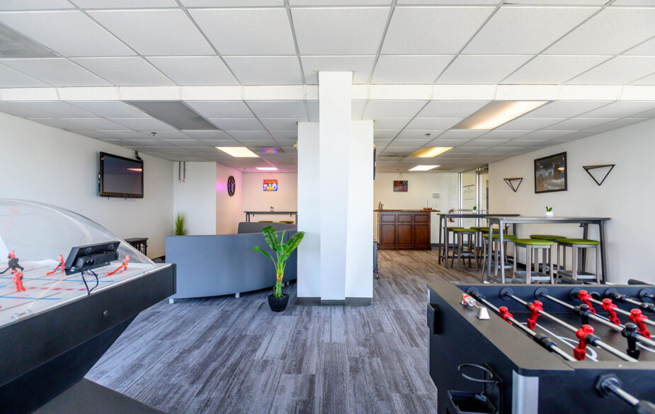 Aside from a prime location within walking distance to the city's growing number of events, restaurants, breweries, parks, and nightlife – our Downtown Wichita apartments offer a plethora of amenities.
